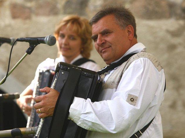 Manželé Renata a Josef Pospíšilovi vystoupili v plzeňské Proluce