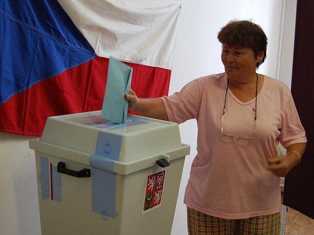 Ivana Kestlerová byla jednou z těch, kteří v pátek přišli do volební místnosti v Chotíkově vyjádřit svůj názor na vybudování spalovny