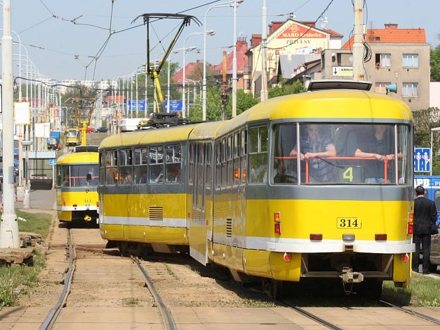 Na trase 1 a 4 jezdí tramvaje od úterý v úseku od rondelu ke křižovatce s Lidickou ulicí po jednokolejce