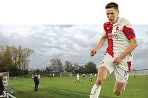 Místo začátků. Fotbalista Lukáš Provod, který momentálně obléká dres pražské Slavie, dělal první fotbalové krůčky v Plzni na Petříně, ale většinu žákovského věku strávil tady na Smíchově.