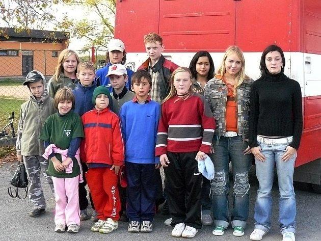 Do soutěže hasičů Plamen se zapojil i tým ze Všerub (na snímku). Soutěž se všem moc líbila