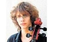 Violoncellista Ivan Vokáč (na snímku) vystoupí dnes od 19.30 hodin v plzeňském Domě hudby spolu s mezzosopranistkou Lucií Hilscherovou a klavíristou Stanislavem Gallinem.