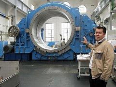 Obří převodovka pro ruskou cementárnu v plzeňském Wikov Gear