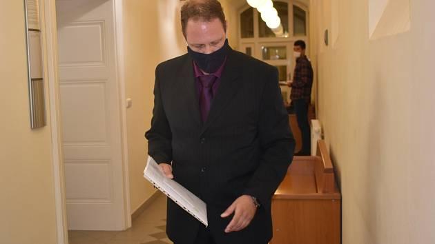 Martin S. u plzeňského městského soudu.