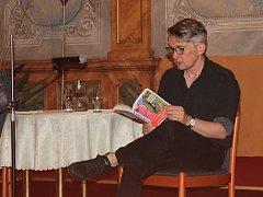 Miloš Urban četl ze své knihy Poslední tečka za Rukopisy