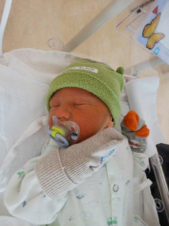Martin Bydžovský se narodil 29. října v19:49 mamince Elišce a tatínkovi Michalovi zTeplé. Po příchodu na svět vplzeňské FN vážil bráška sedmiletého Michala a čtyřletého Filipa 2900 gramů a měřil 48 centimetrů.