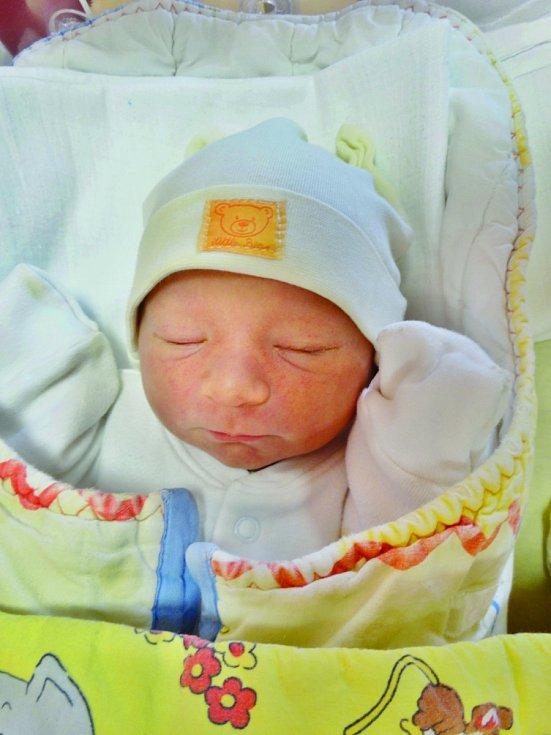 Krasimíra Kamenová se narodila 27. listopadu v 10:25 mamince Lidi a tatínkovi Marianovi z Plzně. Po příchodu na svět v plzeňské FN vážila sestřička dvouleté Anetky 3150 gramů a měřila 48 cm.