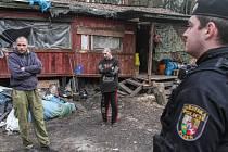 Strážníci kontrolovali tábořiště bezdomovců
