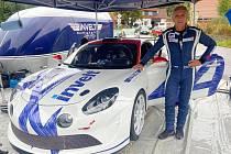Francois Delecour pózoval u vozu Alpine A110 R-GT při zkoušce na trati Invelt Rallye Pačejov.