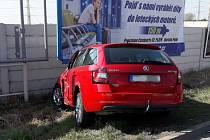 Nehoda kamionu a auta v Univerzitní ulici v Plzni.