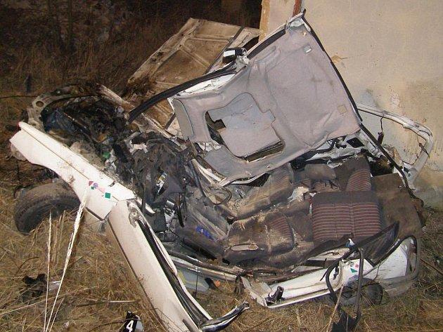 Vůz byl po nehodě zcela zdemolovaný