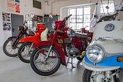 Zahájení turistické sezóny 2017 v Nepomuku. Návštěvníci si mohli prohlédnout sbírku motocyklů.