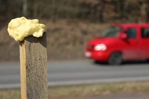 Zvěř od silnice z Plzně do Zruče odhání pachový ohradník