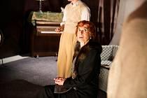 M. Švábová v roli paní Boyelové v detektivní hře Agathy Christie Past na myši.