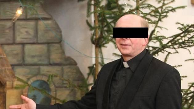 Dlouholetý farář římskokatolické farnosti Dolní Bělá a dojíždějící duchovní správce římskokatolické farnosti Ledce na severu Plzeňska I. F. už nesmí vykonávat funkci.