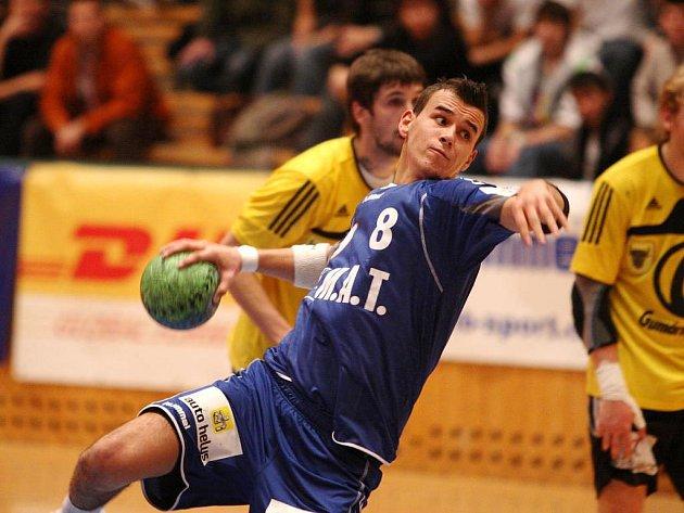 Nejlepším střelcem Plzně byl ve středečním utkání proti Zubří Roman Bečvář (na snímku), který dal pět branek. Ani jeho góly ovšem nezabránily prohře Západočechů 23:24