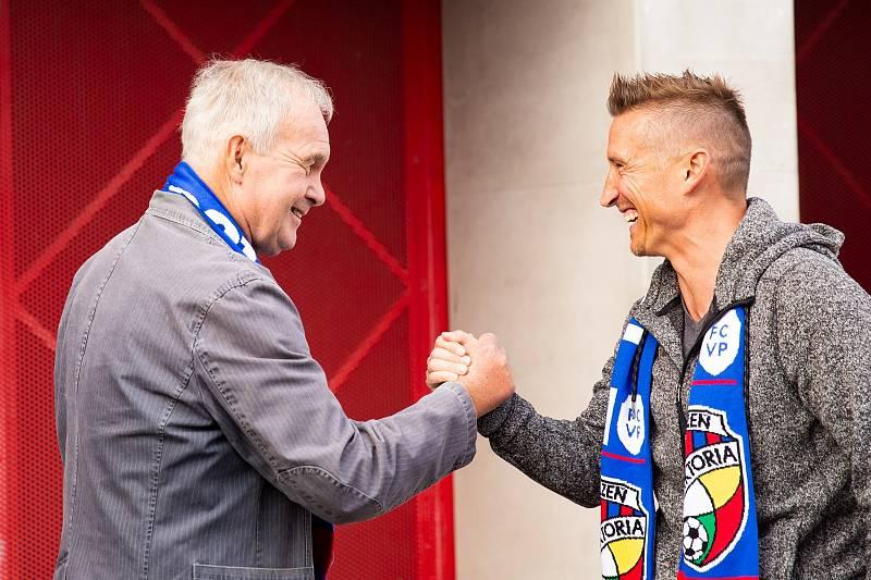 Setkání trenéra Zdeňka Michálka s někdejším svěřencem Patrikem Ježkem.
