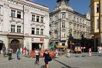Dopravní komplikace v centru Plzně se od pondělí přesunuly na křižovatku ulic Rooseveltova, Pražská a náměstí Republiky