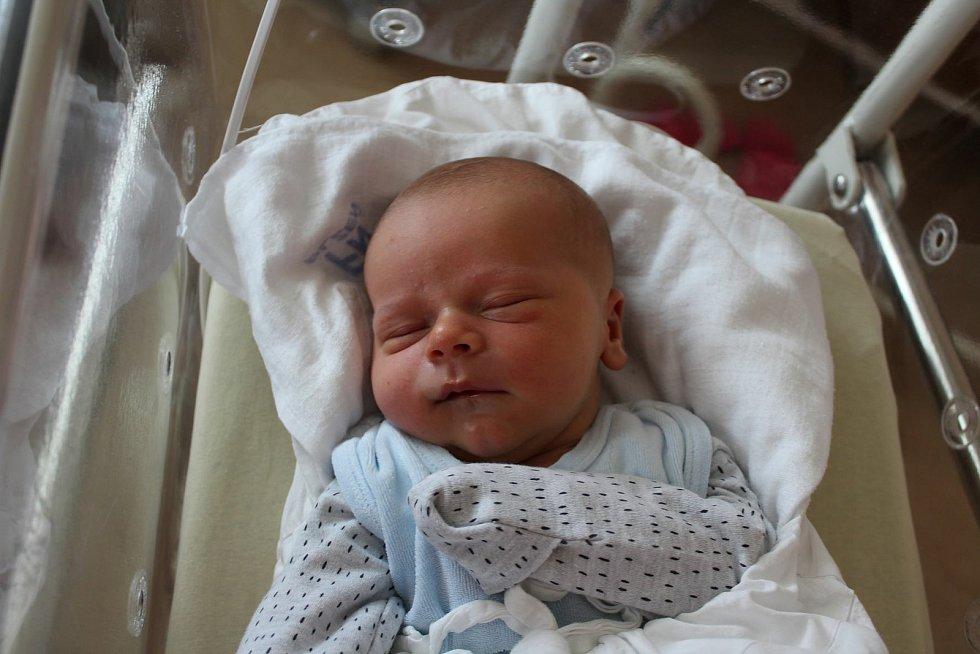 Melichar Poborský (3780 g, 51 cm) se narodil 10. července v 1:14 vplzeňské FN Lochotín. Rodiče Tereza a Kryštof z Rokycan věděli dopředu, že Matylda (5) a Dorotka (2) budou mít brášku.