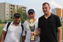 Zleva František Gožo (vyhlášen nejlepším střelcem), Dušan Duna a Václav Hebr, všichni z týmu Plzeň A, který vyhrál všechny předchozí turnaje a letos vybojoval druhé místo. V Plzni ale zůstal i zlatý pohár, vybojovali jej totiž hráči Plzně B