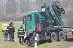 Čtvrteční smrtelná nehoda na silnici mezi Plzní a Karlovými Vary
