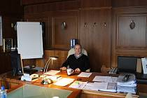 Martin Straka ve své kanceláři