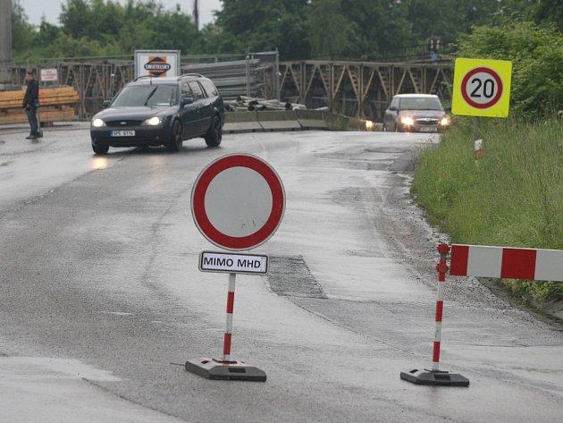 Povodeň v Plzni uzavřela pontonový most v Jateční ulici