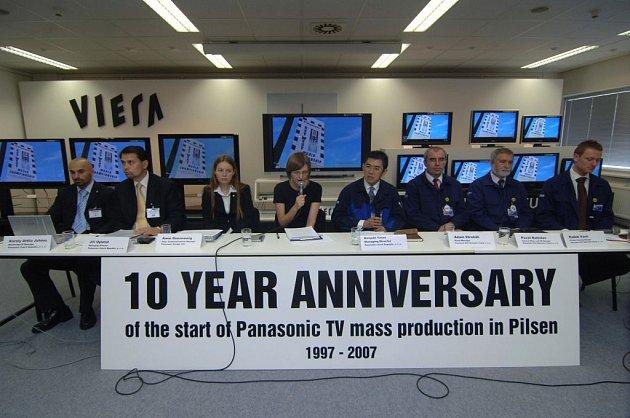 Představitelé společnosti Panasonic představili včera u příležitosti desátého výročí plzeňského výrobního podniku plány společnosti