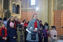 Zpívání vánočních koled v Úhercích.