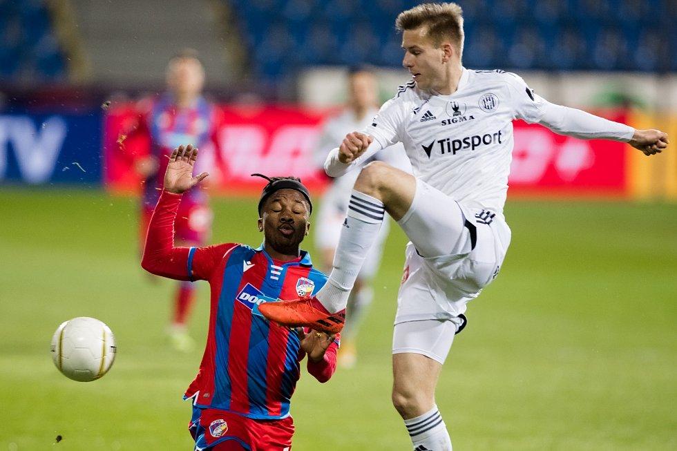 Byl to boj. Adriel Ba Loua v zápase proti Olomouci.