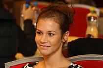 Dvacetiletá studentka ZČU v Plzni Petra Heinzová postoupila do semifinále České Miss 2011