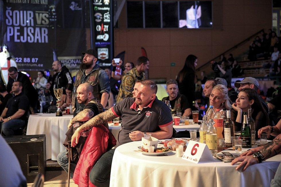 Galavečer Den rváčů v Městské hale Lokomotiva v Plzni