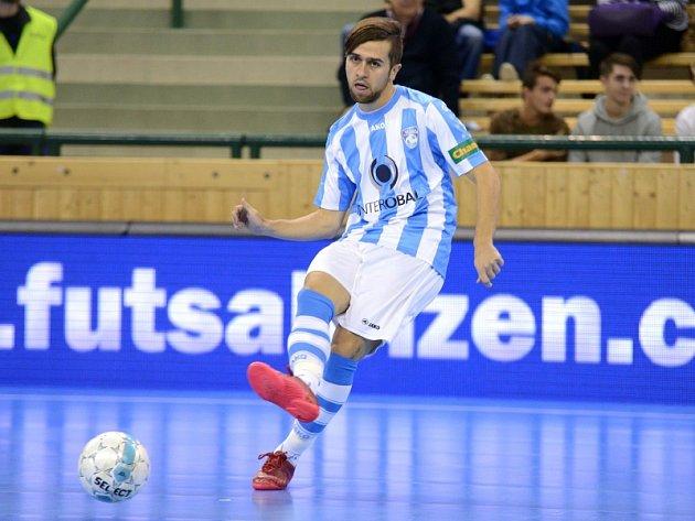 Futsalisté Interobalu vyhráli v Hradci Králové 4:3. Na archivním snímku z posledního domácího utkání proti FC Radio Krokodýl Brno je plzeňský útočník Tomáš Vnuk