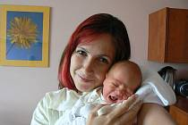 Lucii a Michalu Kocurovým zPlzně se 18. července v7:47 hod. narodil ve FN syn Denis (2,82 kg, 48 cm). Jeho sestřičce Karolínce budou vsrpnu tři roky