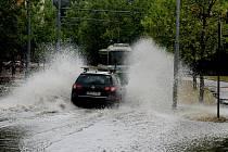 Snímky z přívalového deště v Plzni