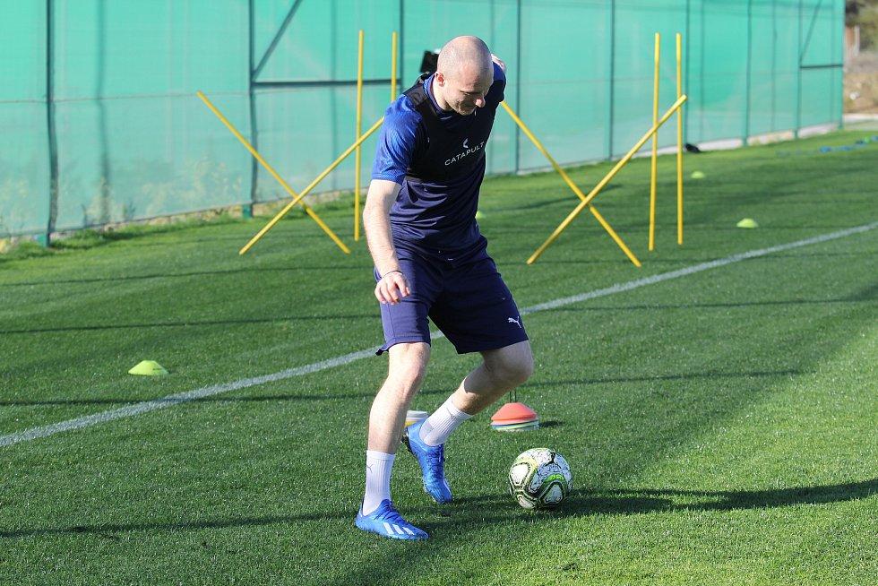 Ještě v úterý trénoval Michael Krmenčík s plzeňskou Viktorií ve španělské Esteponě.