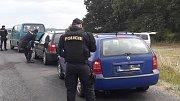 Policisté kontrolovali účastníky technopárty.