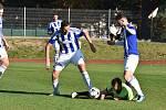 Fotbalisté Domažlic (na archivním snímku hráči v modrobílém dresu) vyhráli další domácí zápas.