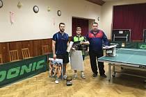 Trojice nejlepších. Zleva druhý Jakub Klier, uprostřed vítěz Jan Duspiva a vpravo třetí Marcel Havlíček.