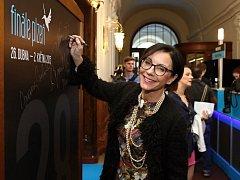 Filmový festival Finále Plzeň odstartoval. Zahájení se účastnila i Libuše Šmuclerová, která zasedá v mezinárodní porotě.