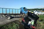 Nehoda osobního a nákladního auta mezi Horní Lukavicí a Přešticemi