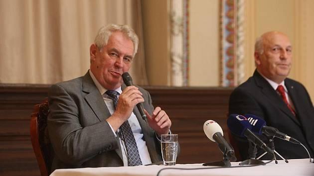 Prezident Miloš Zeman ve Zbiroze