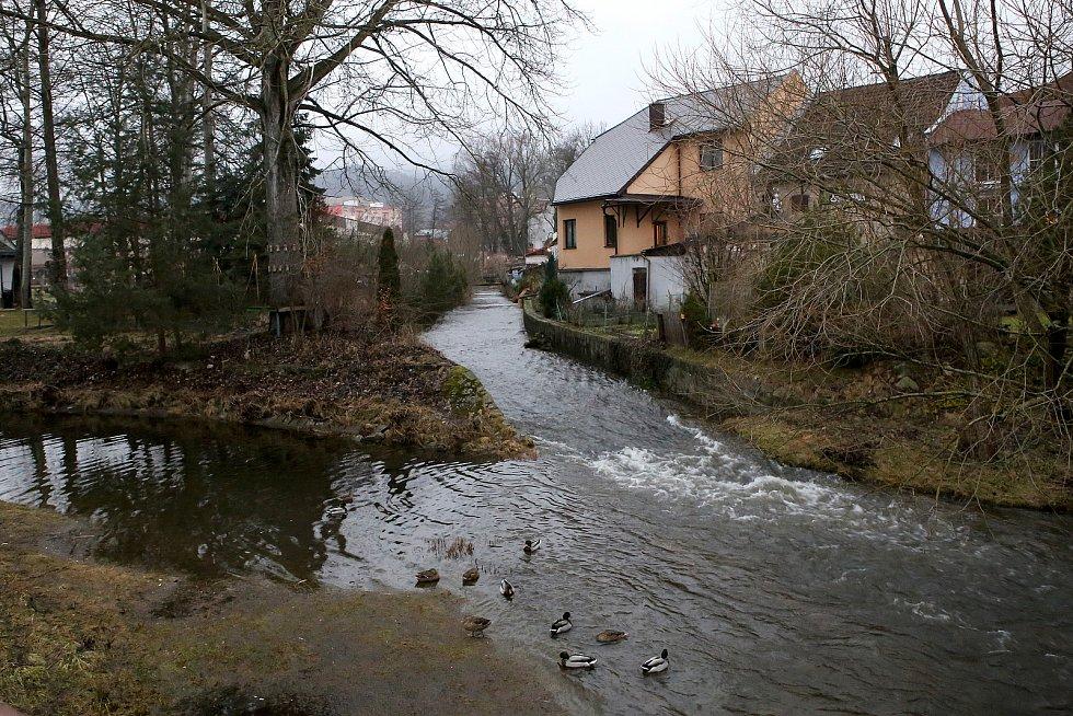 zvednutá hladina potok Volšovka Sušice