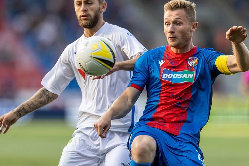 Plzeňský kapitán Jakub Brabec v úvodním utkání 2. předkola Evropské konferenční ligy, které doma viktoriáni vyhráli 2:1.