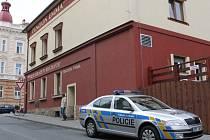Policie se do penzionu vrátila ještě v úterý ráno