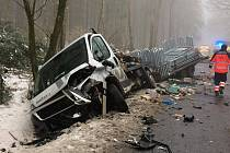 Nehoda tří aut u Soběkur na jižním Plzeňsku