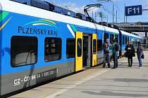 Od srpna 2021 jsou na linku Plzeň – Karlovy Vary nasazeny čtyři nové elektrické jednotky RegioPanter. Jedná se o společný projekt Karlovarského a Plzeňského kraje, dopravcem jsou České dráhy.