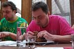 Soutěž v pojídání steaků v Soběsukách