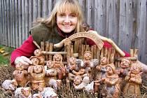 Výtvarnice Jana Holubová zapůjčila na novou výstavu Národopisného muzea Plzeňska vlastní keramické betlémy. Veřejnost si je může prohlédnout  již tento pátek a poté až do 11. ledna