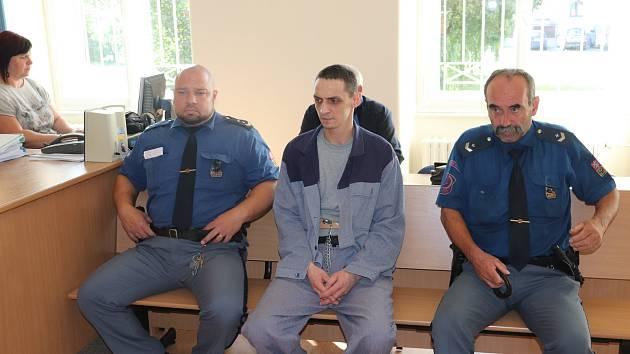 Petr Jansta u klatovského soudu.